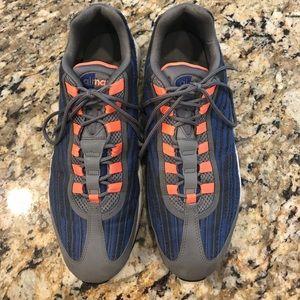 Us men's size  12 Nike Airmax shoes
