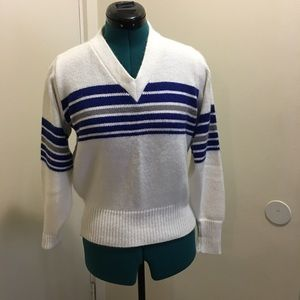 ✨VINTAGE✨White and blue V-neck sweater