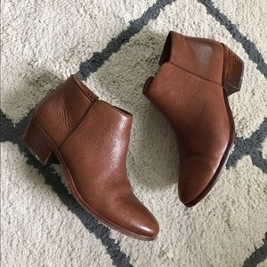 Same Edelman Petty ankle boot / PRICE FIRM