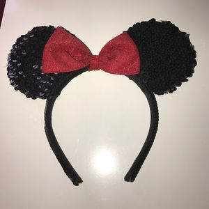 Disney Land Minnie Mouse Sequined Ears Headband