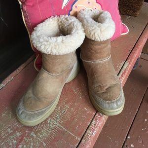 UGG ultimate short boot