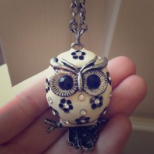 Adorable owl necklace with 16 inch chain