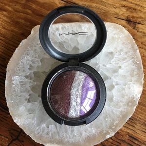 🎨 MAC Cosmetics Outspoken Mineralize Eyeshadow