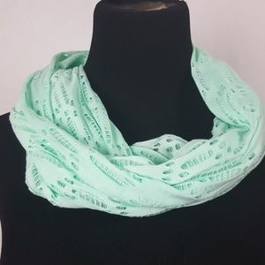 New Mint green wripped detail infinity scarf