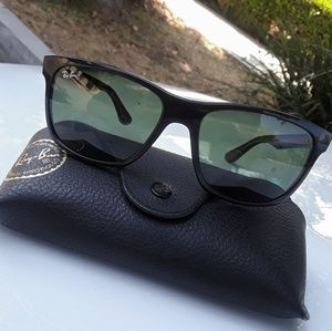 Unisex Polarized Black Ray-Ban Sunglasses