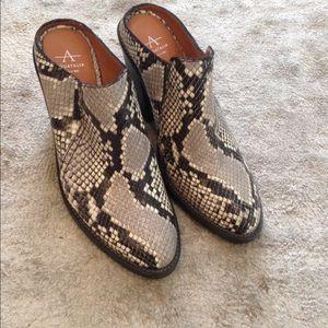 Aquatalia snake print shoes 8