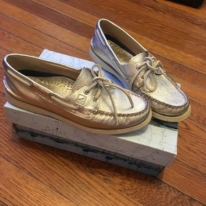 Gold SPERRY top-sider boat shoes 6