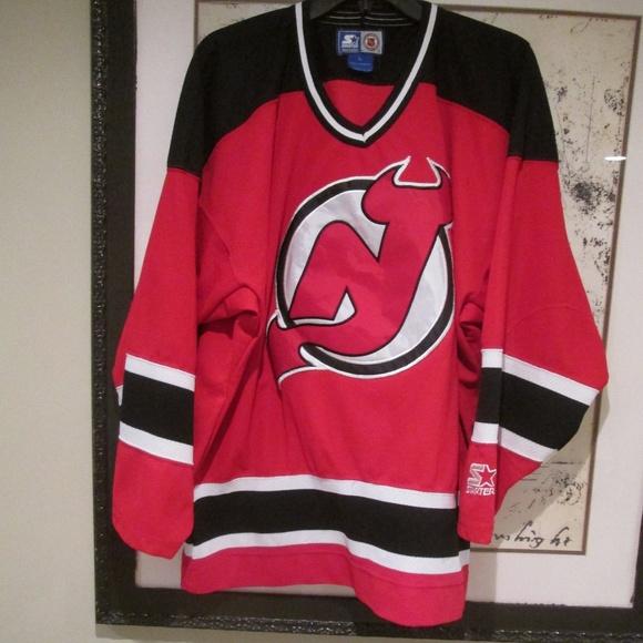 647d43744 Vintage Starter New Jersey Devils Hockey Jersey. M 59c2ec7e713fde93dc003fb0
