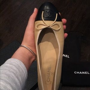 Classic Chanel ballet flat (ONLY RIGHT SHOE)