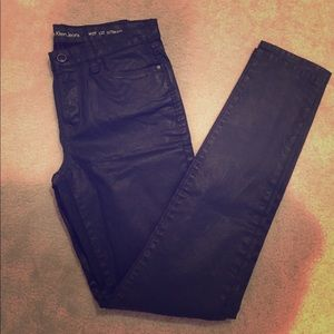 LIKE NEW Calvin Klein black pleather jeans