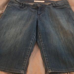 Old Navy Medium Wash Jean Shorts Size 12