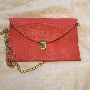 Handbags - Pink crossbody pleather bag with gold chain