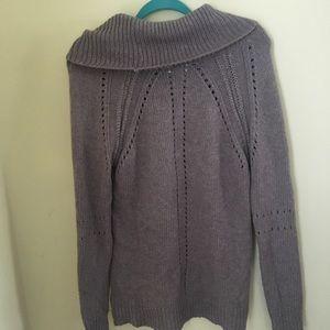 Oversized grey LOFT sweater. Cable knit pattern.