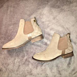 STEVE MADDEN Gianna Ankle Boots
