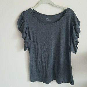 Gray top w/ ruffle sleeves