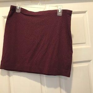 Maroon mini skirt. Black dots. Size large. H&M