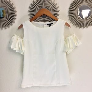 Gorgeous Nwot statement sleeve top