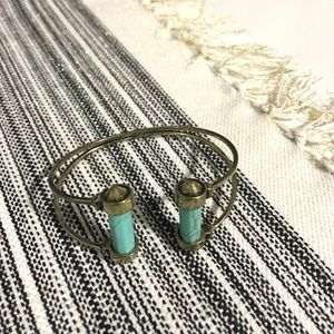 Turquoise stone and gold bracelet