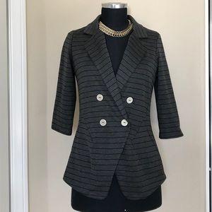 Casual pinstriped blazer db look. L,  3/4 sleeve
