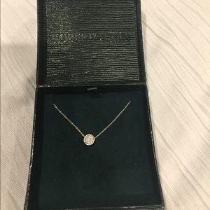 Roberto coin round pendant necklace