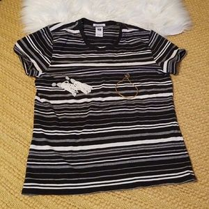 Basic GAP Tee ** Stripes ** Black & White