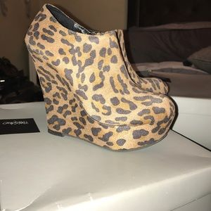 Leapord booties