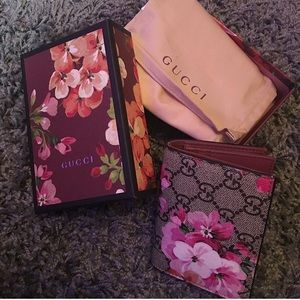 Brand new authentic Gucci Bloom Wallet