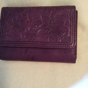 FOSSIL DESIGN LEATHER WALLET