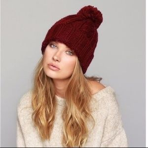 Luxe Cable Knit pom pom beanie in burgundy