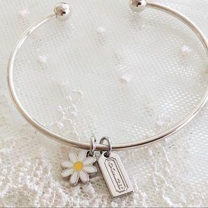 RARE! Coach White Daisy & Hangtag Charm Bracelet