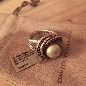 David Yurman Pearl Crossover Ring (Retail $1300)