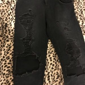 Carmar Jeans - Carmar Black Stone distressed high rise jeans !