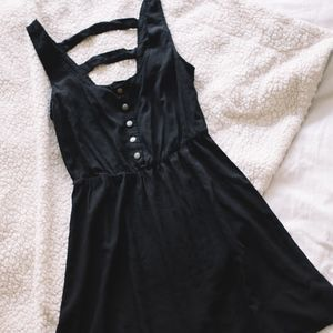 Forever 21 || Black Cross Back Dress