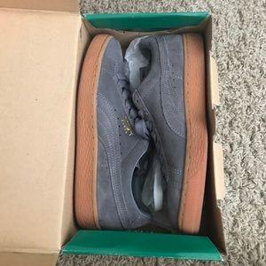 Puma grey gum bottoms size 5y