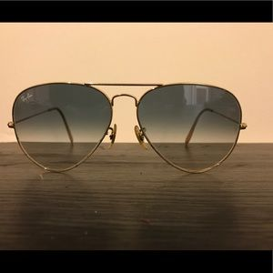 Large Ray Ban Aviators with Grey Gradient