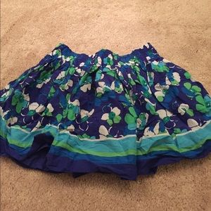 Flowery print skirt in very good condition