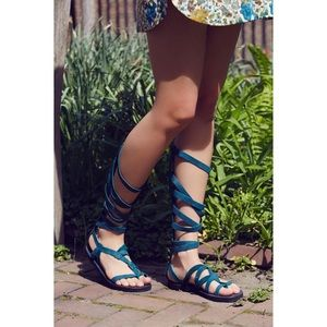 """Free People Forest Blue """"Cynder"""" Gladiator NEW, 8"""