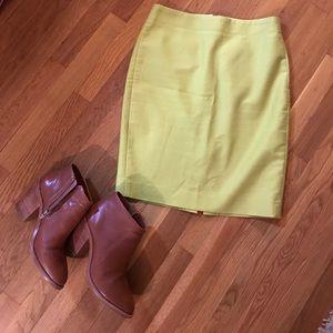 J crew number 2 pencil skirt sz 2 lime green