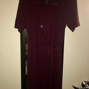 Maroon wrap around dress never worn but tag missin