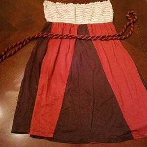Sleeveless top with belt