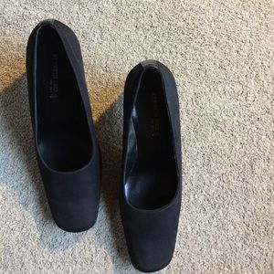 Grosgrain Kenneth Cole Heels