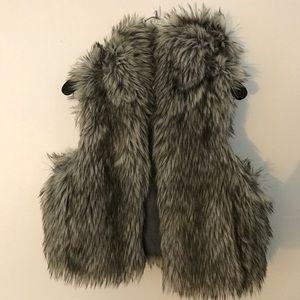 LOFT thick faux fur hooded vest. M/L EUC