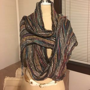 Multicolored scarf metallic threading