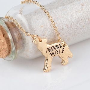 Mama wolf pendant necklace