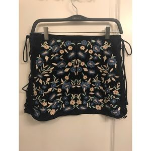 NWOT Zara floral embroidered mini skirt