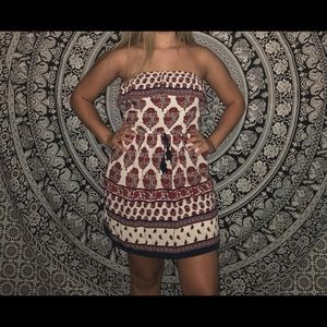 Dresses & Skirts - Mini sleeveless dress