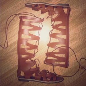 Mossimo gladiator sandal size 8 brown lace up nwot