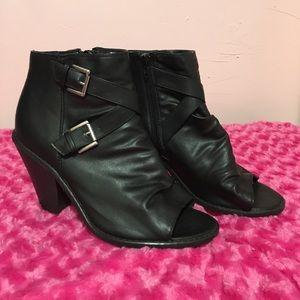 🎉price drop🎉Lane bryant peep toe ankle booties
