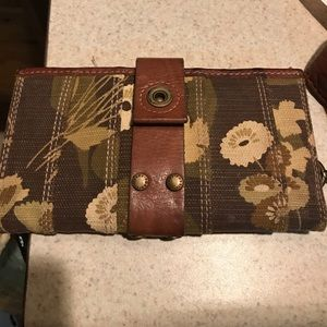 Fossil Wallet with Floral print