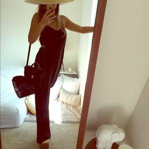 🖤 Black open back jumpsuit ♠️ 😎
